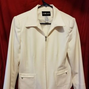 Tailored ivory jacket.